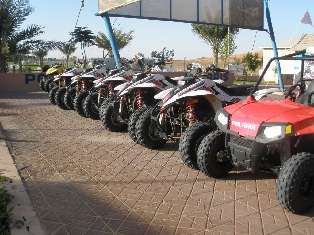 Golden Desert - Motorcycle Rental